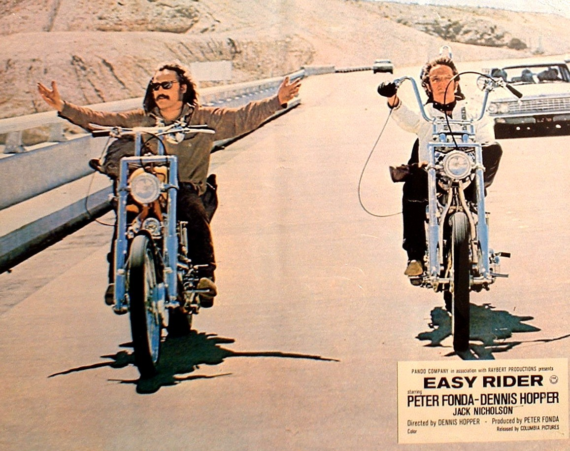 an analysis of easy rider It is imperative to this analysis that the conventions of cinema which easy rider defies be clearly established to begin with, we will first look at the aspects of the 'road' movie either present or disobeyed in the film.